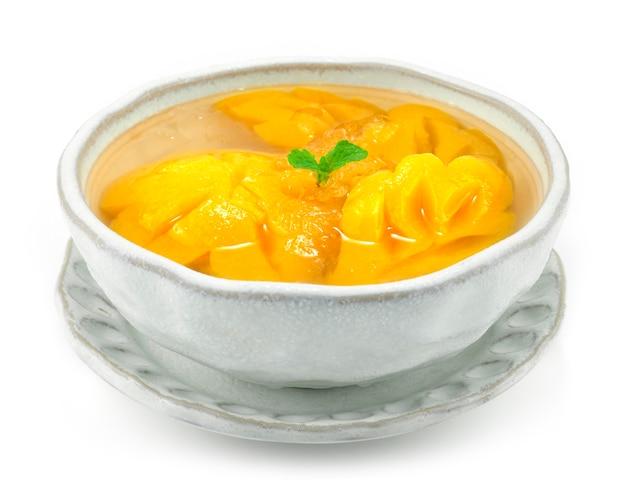 Brzoskwinia śnieżna w syrop fusion tajskie deserowe danie letnie