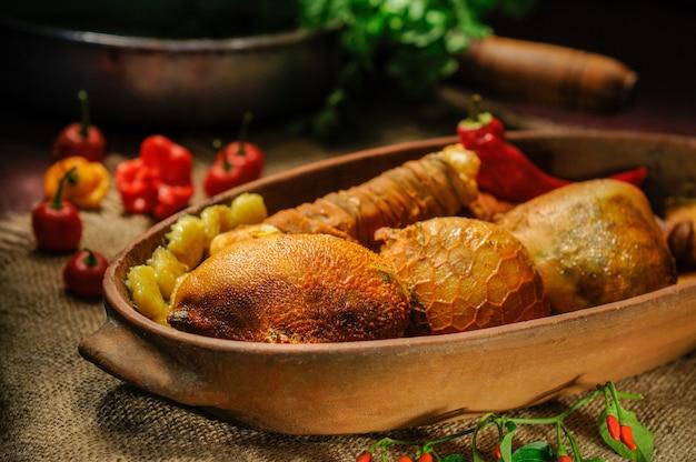 Buchada de bode jest zrobiona z kozich wnętrzności. jedzenie z północno-wschodniej brazylii
