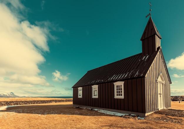 Budakirkja lub czarny kościół budir rocznika brzmienie w iceland