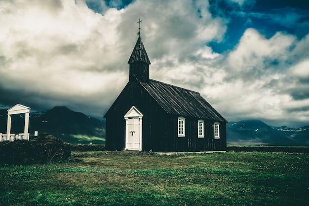 Budakirkja na półwyspie snaefellsnes, islandia