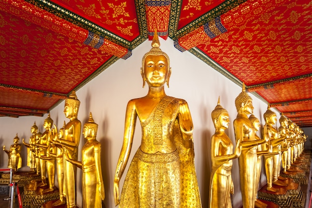 Budda w wat pho. tajlandia