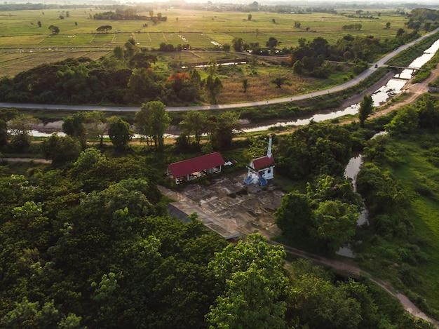 Buddyjski cmentarz dla tradycji kremacji pogrzebowej