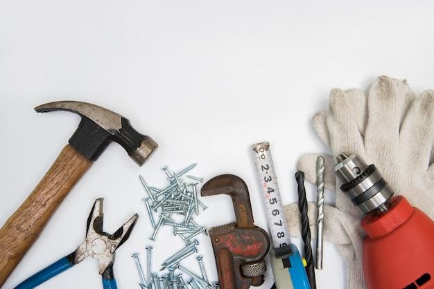 Budów narzędzia na białym tle. odosobniony.