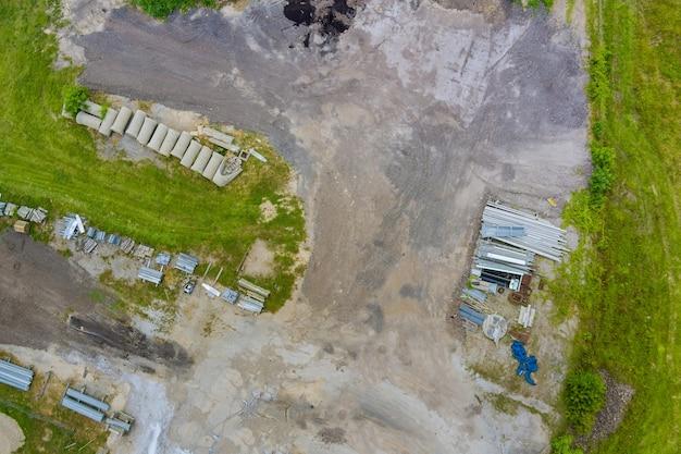 Budowa rury betonowej kanalizacji drenażowej na drodze do prostokątnych rur kanalizacyjnych o...