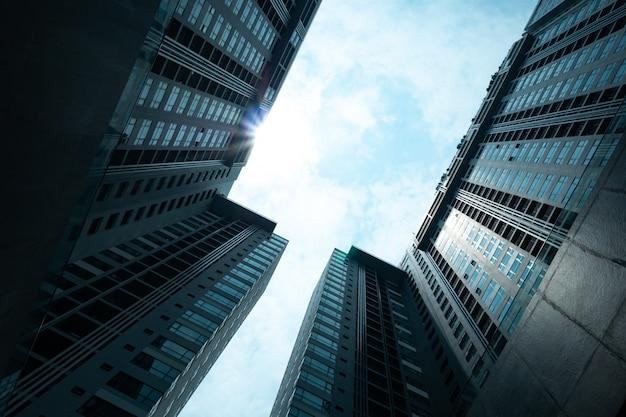 Budowanie wieżowca od dołu w hongkongu
