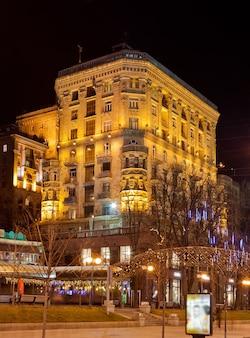Budynek przy ulicy chreszczatyk, kijów, ukraina