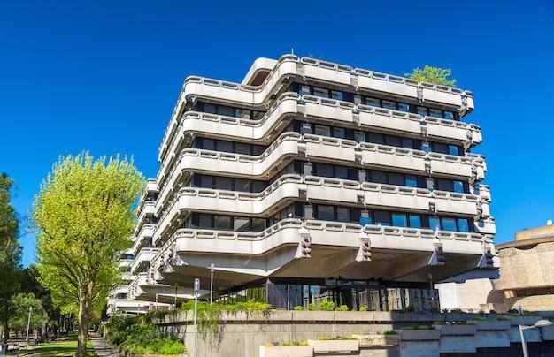 Budynki biurowe w dzielnicy meriadeck w bordeaux - francja