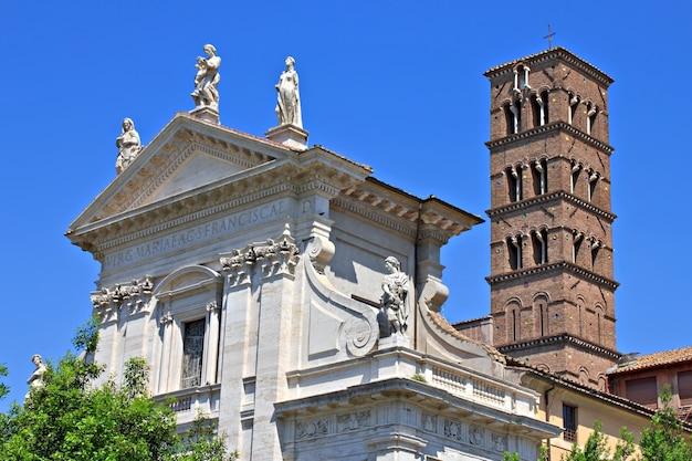 Budynki na forum romanum, rzym, włochy