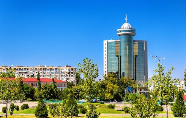 Budynki w centrum taszkentu w uzbekistanie