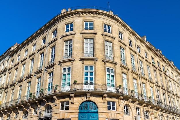 Budynki w historycznym centrum bordeaux - francja, akwitania