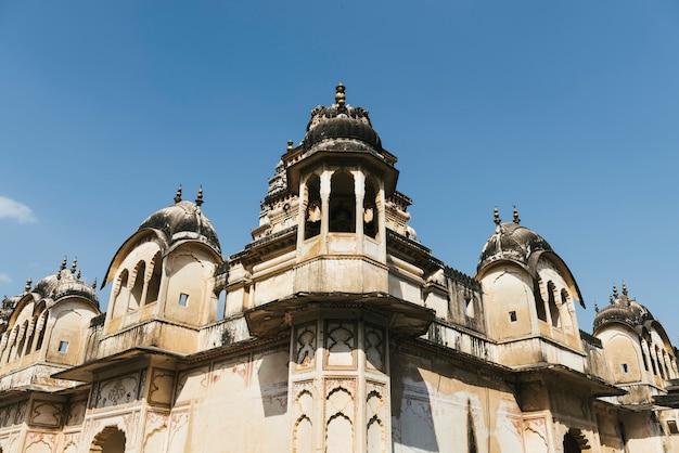 Budynki w pushkar miasteczku, rajasthan, india