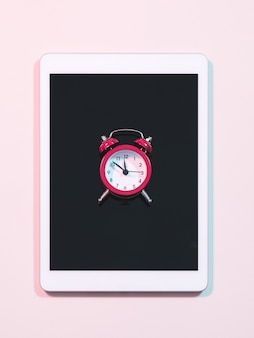 Budzik zarządzanie czasem i uzależnienie od mediów społecznościowych