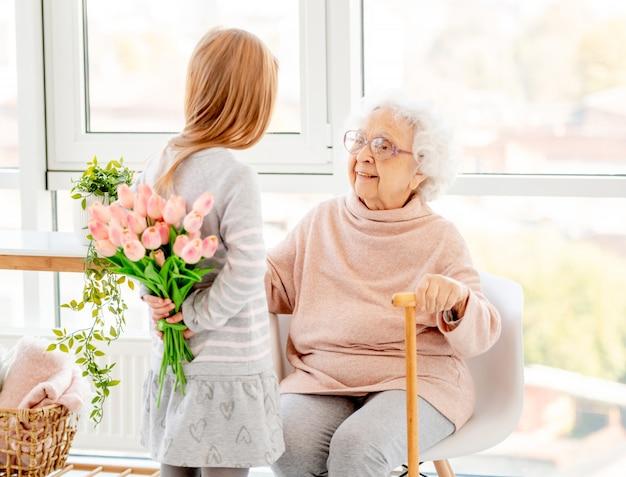 Bukiet dla starszej kobiety