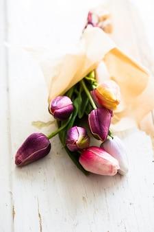 Bukiet kolorowych tulipanów
