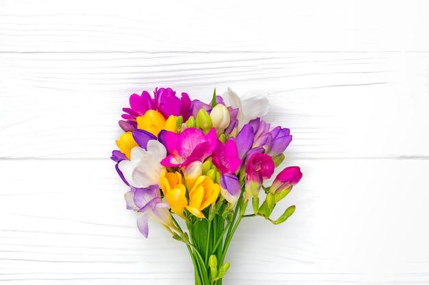 Bukiet kwiatów gałązki frezji