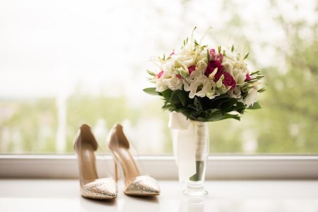 Bukiet panny młodej z naturalnych kwiatów