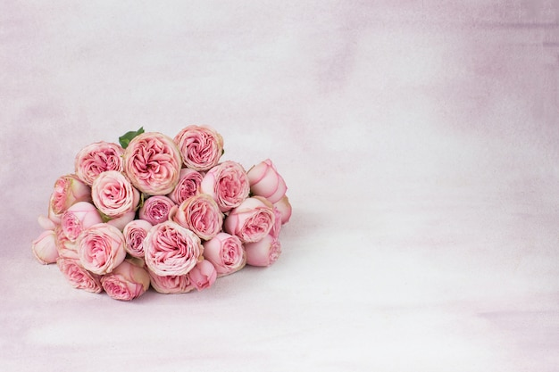 Bukiet róż i wolne miejsce na tekst