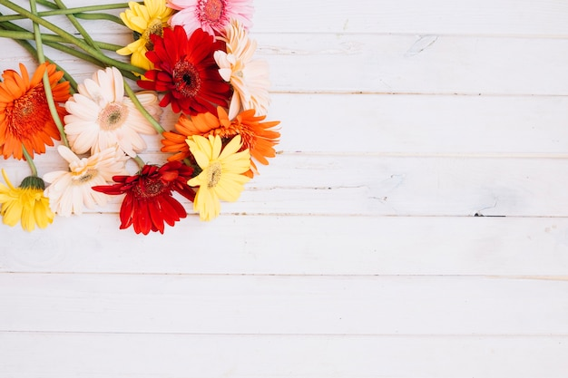 Bukiet różnych kwiatów
