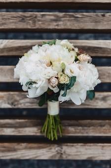 Bukiet ślubny i dekoracje ślubne, kwiaty i kwiatowe kompozycje weselne