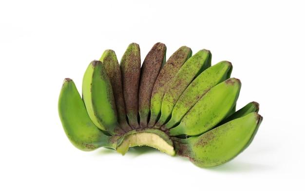 Bukiet zielonych bananów owoców tropikalnych na białym tle