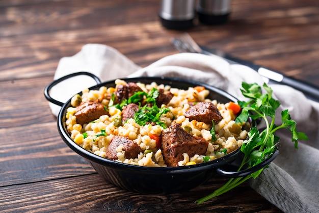 Bulgur z mięsem i warzywami