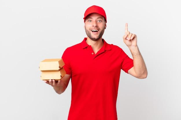 Burger dostarcza człowieka, który po zrealizowaniu pomysłu czuje się jak szczęśliwy i podekscytowany geniusz