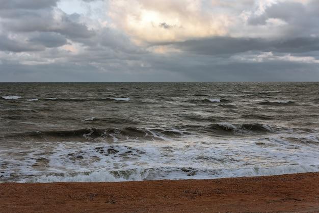 Burza na morzu