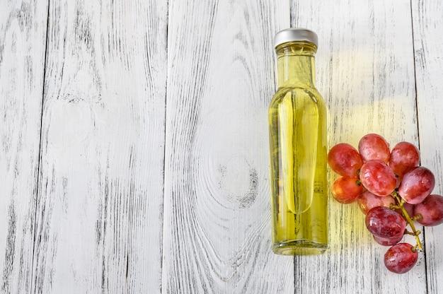 Butelka oleju z pestek winogron