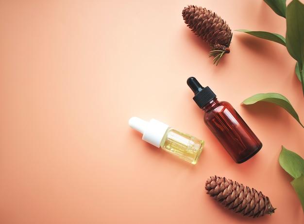Butelka surowicy. mikros oleje roślinne. koncepcja naturalnego produktu ekologicznego