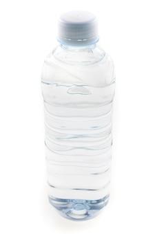 Butelka Wody Pitnej Na Białym Tle. Premium Zdjęcia