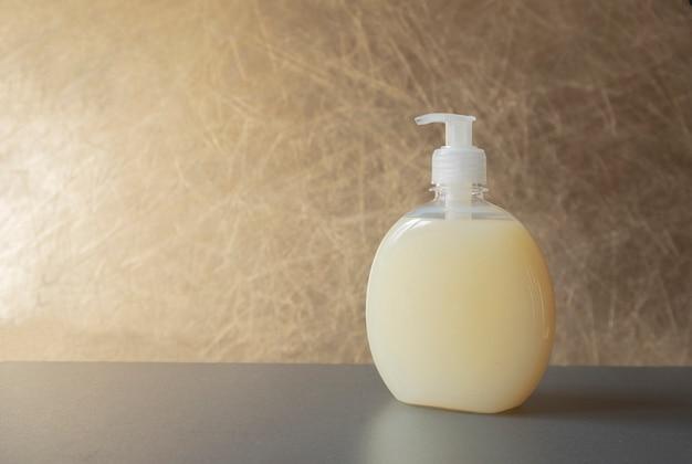 Butelka z mydłem kosmetycznym