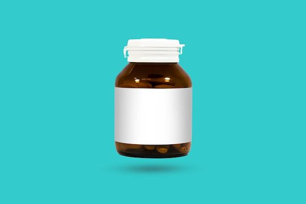Butelki farmaceutyczne opakowania na białym tle. studio strzał maski przycinającej.