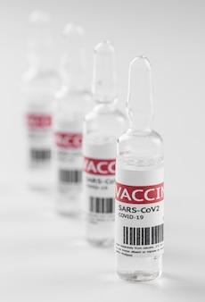 Butelki szczepionki zapobiegawczej przeciwko koronawirusowi
