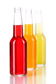 Butelki z kolorowym koktajlem