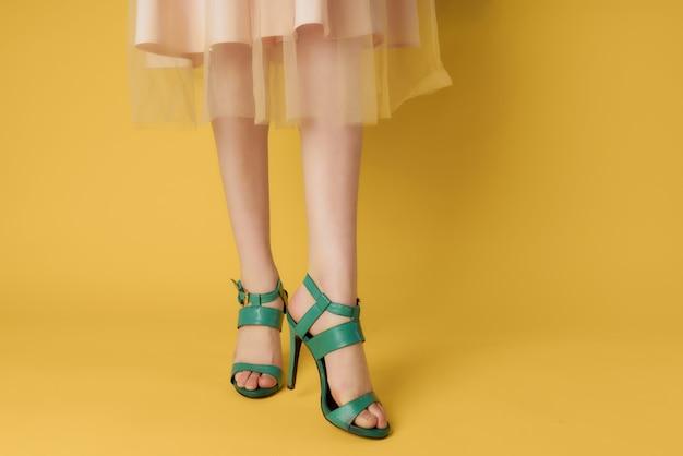 Buty damskie zielone modne parowanie w nowoczesnym stylu