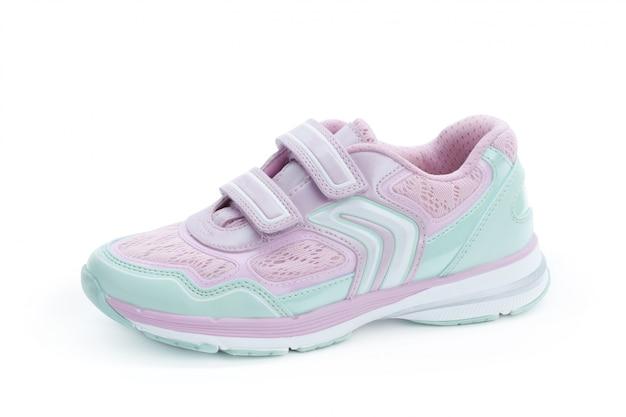 Buty dla dzieci na białym widok z przodu
