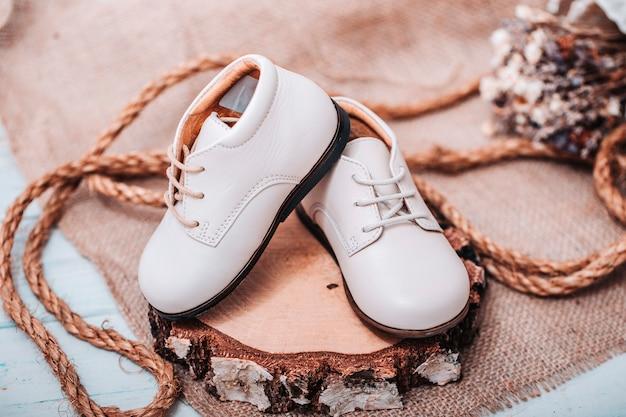 Buty dziecięce w stylu vintage