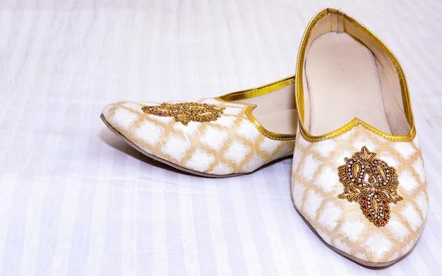 Buty ślubne indyjskiego pana młodego khussa