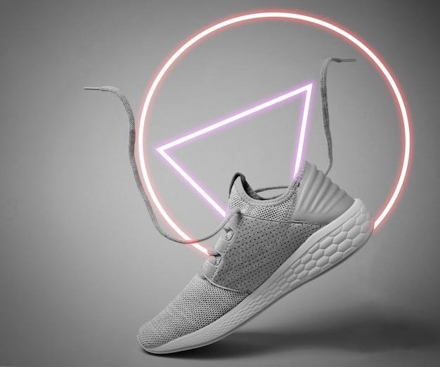 Buty sportowe do biegania z latającymi sznurowadłami