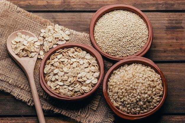 Cała żywność, owies z komosy ryżowej i ryż