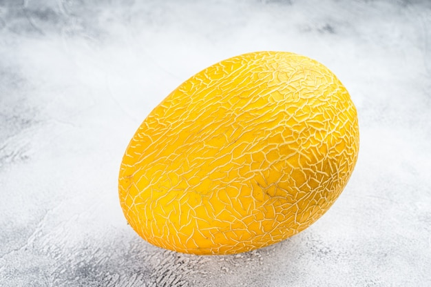 Cały żółty dojrzały melon
