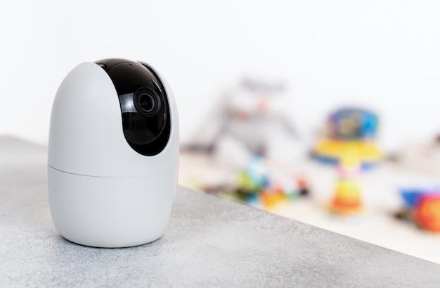 Camera nanny security monitoruje pokój zabaw dla dzieci