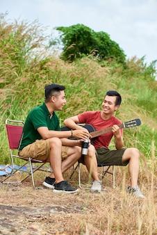Camping przyjaciół