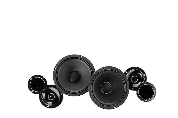 Car audio, głośniki samochodowe na białym tle.