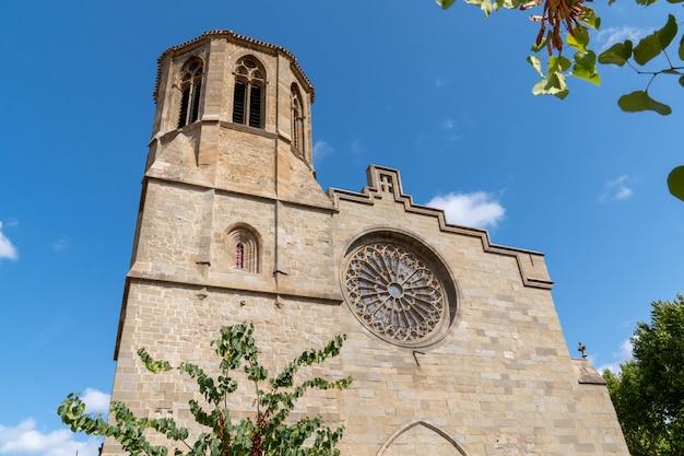 Carcassonne kościelny szczegół w starym nowożytnym mieście w francja