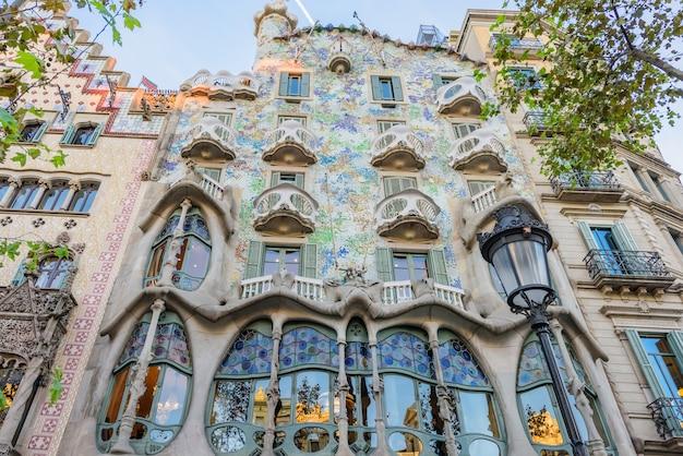 Casa batlo budynku gaudiego w barcelonie, hiszpania