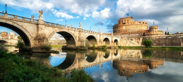 Castel sant angelo w rzymie, włochy