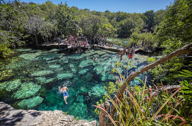 Cenote azul w meksyku
