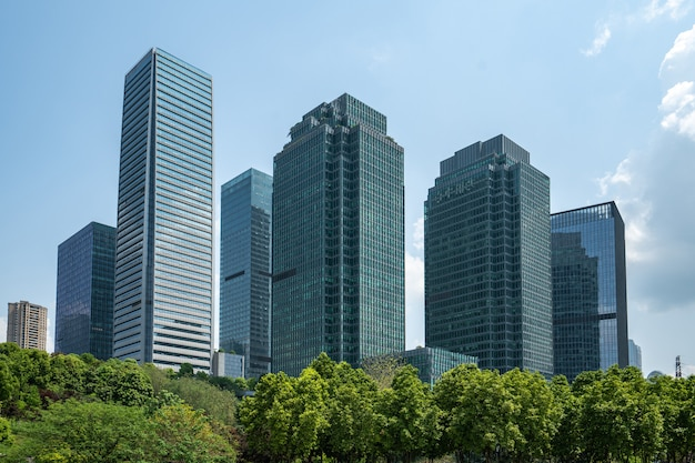 Central park trawnik i centrum finansowe budynek biurowy, chongqing, chiny