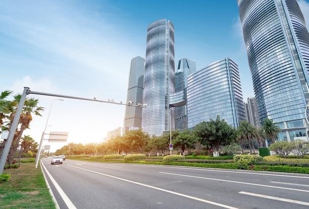 Centralna dzielnica biznesowa, drogi i drapacze chmur, xiamen, chiny.
